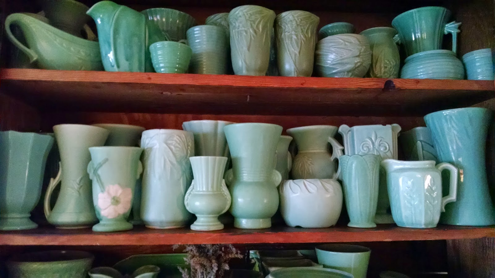 Windmill farm mccoy weller usa pottery vases i have always loved vases and collect a few special types mainly mccoy pottery vases from the 1920s 30s and early 1940s there are many many books out on reviewsmspy
