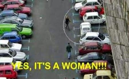 Imagine haioasa cu o parcare facuta de o femeie