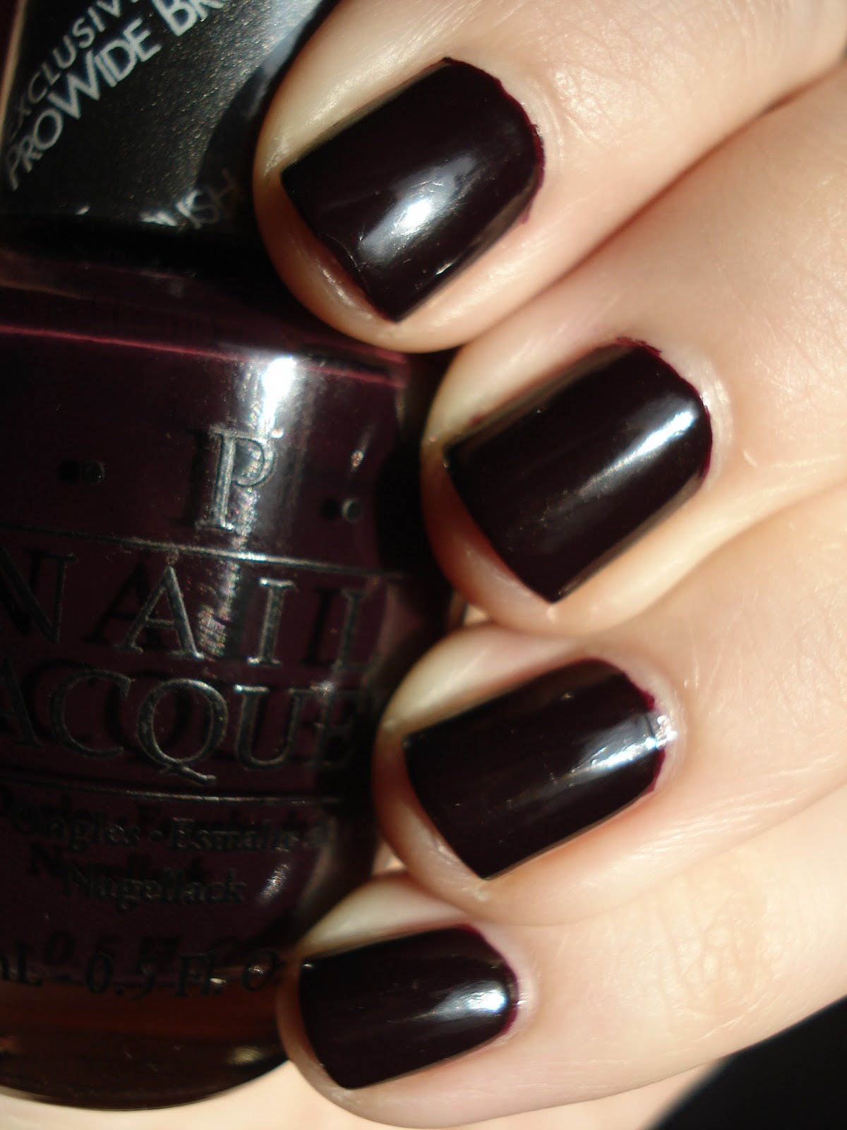 park daily at opi varnish lincoln midnight dark macro the after