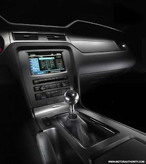 hay madre mia: Chevrolet Camaro VS Ford Mustang