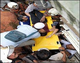 http://2.bp.blogspot.com/-yvrMgUeHgVU/TdhR6sP58zI/AAAAAAAABvc/c3baImK59TY/s1600/mangsa-tanah-runtuh-rumah-anak-yatim38.jpg