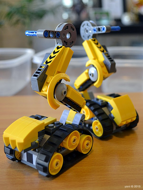 emmet's construct-o-mech - right leg left leg