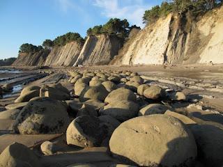 Playa de las esferas (Bowling Balls Beach) - California