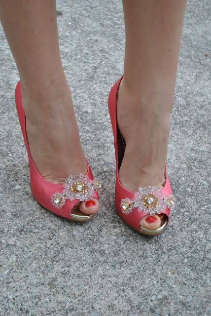 scarpe fornarina scarpe tacco a virgola scarpe in raso scarpe raso rosa come abbinare le scarpe in raso scarpe fornarina come abbinare il tacco a virgola fashion blog italiani fashion blogger italiane blog di moda blogger italiane di moda feet piedi legs