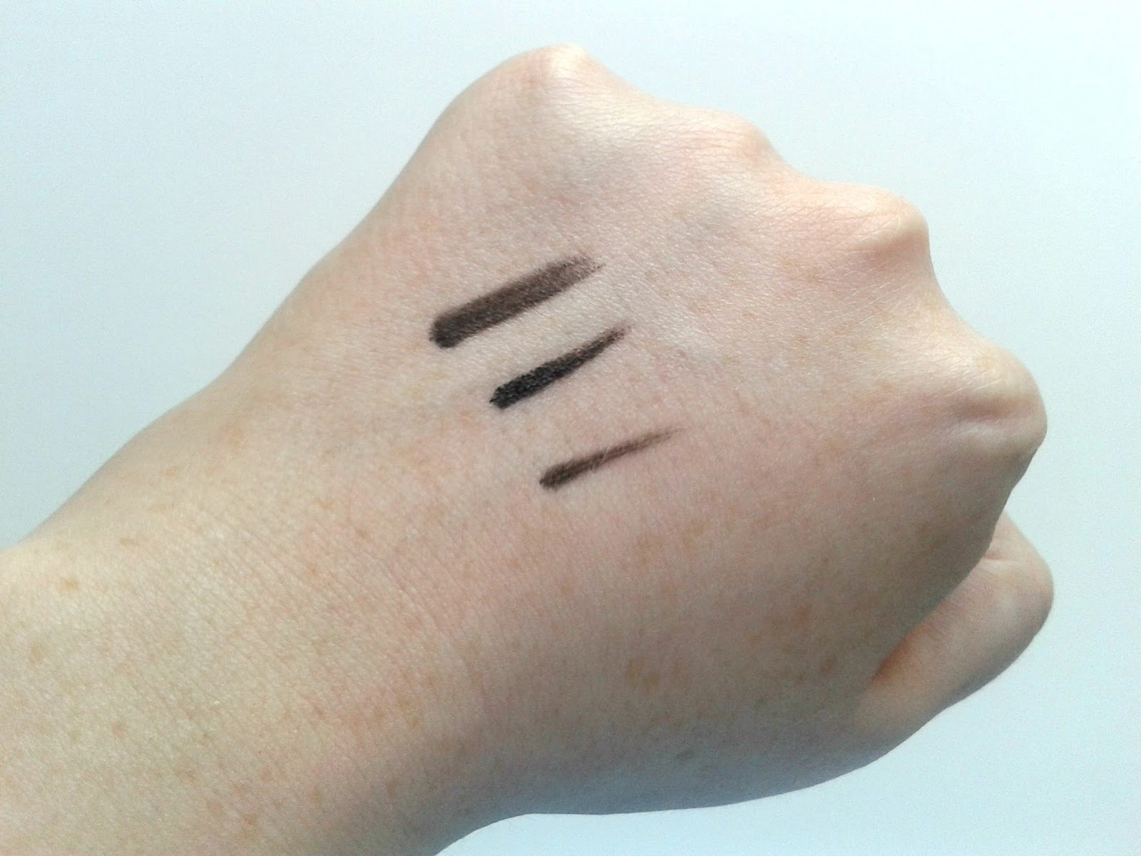 The Body Shop Smoky 2 in 1 Gel Liner Eyes And Brows Black Swatches Beauty Review