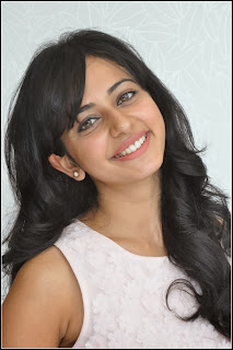 Raku Preet Smiling Photos