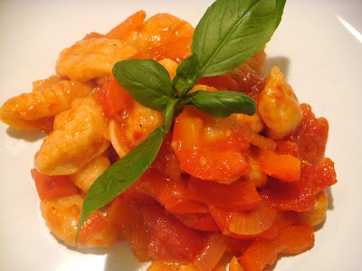 Red bell pepper gnocchi with red bell pepper-tomato sauce