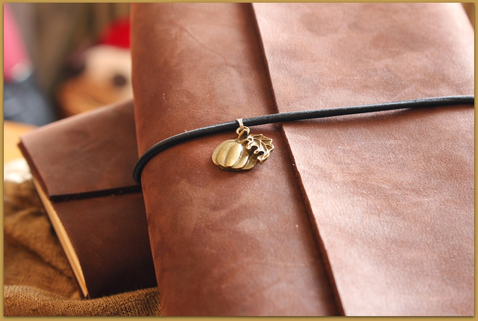 Midori fauxdori Travelers Notebook close up charm pumpkin