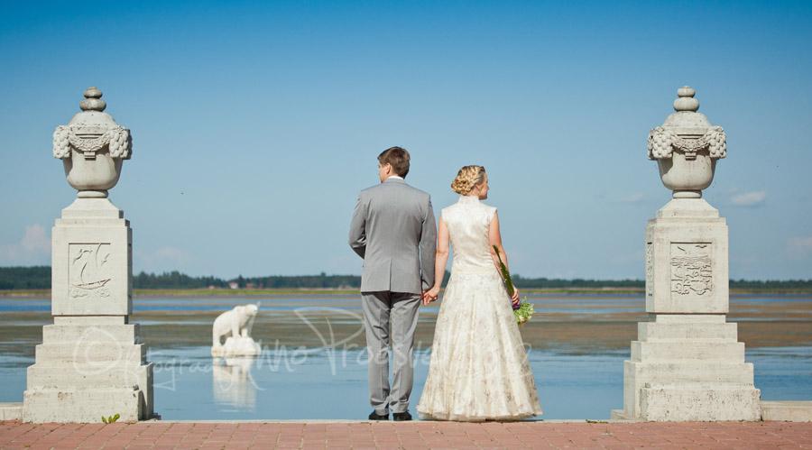 pruutpaar-haapsalus-jaakaru-pulmafoto
