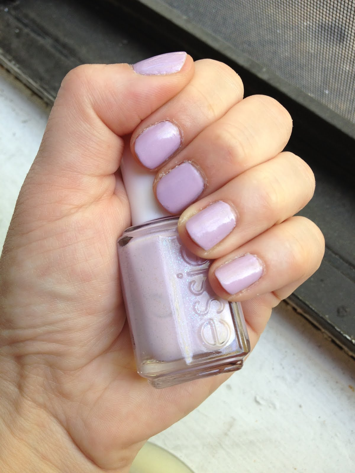 The Beauty of Life: Mani of the Week: Essie To Buy or Not to Buy