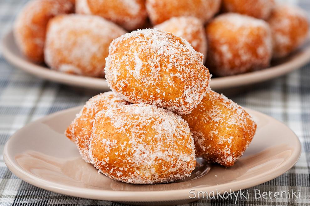 Pączki z posypce cukrowej