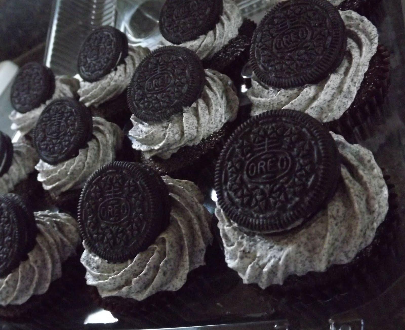 Bakeologie: Oreo Cupcakes