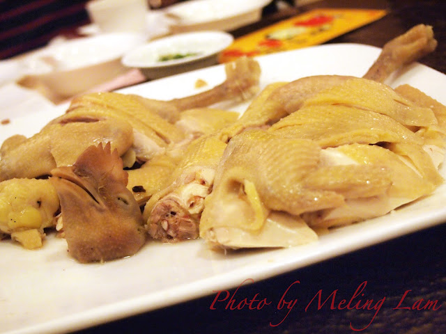 荃灣季季紅 乳豬全體 多此一爪大勝雞