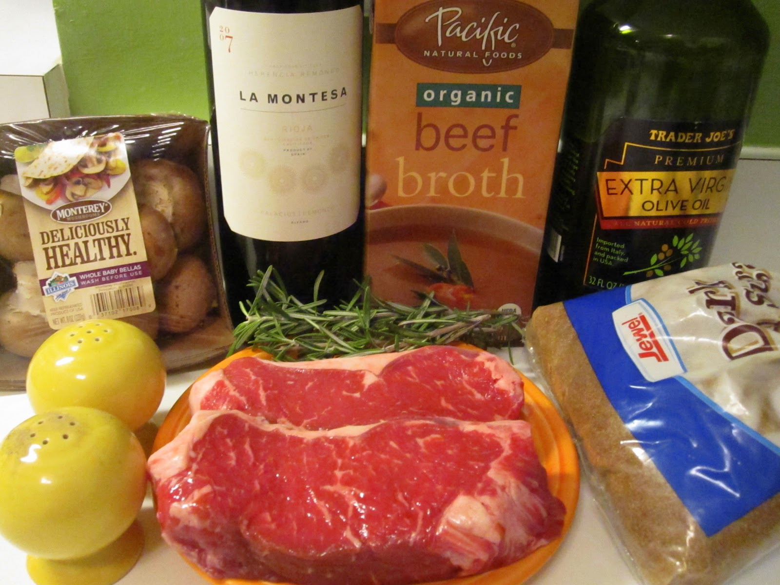 how to make red wine sauce for steak