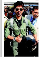 Shahid_Kapoor_fly_F-16_aircraft-aeroplane-fighter-plane-f16-fighter-jet-photos-videos-first-bollywood-actor-to-ride-fighter-plane-f16-photos-images-pics-shahid-kapoor-new-hairstyle-pilot-look-short-hair-boy-look-201