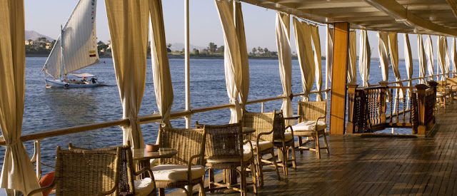 Life-aboard-the-Nile-Cruise-Ship-Egypt-2008-Sealiberty-Cruising