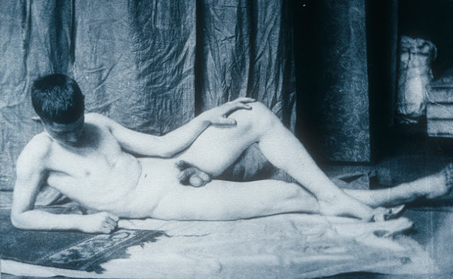 ThomasEakins_Reclining+Male+Nude.jpg