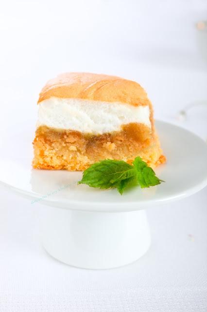 Apfelkuchen mit Ei-Schnee. Edyta guhl.