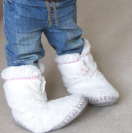 Winter boots - fluffy white slippers