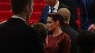 Kristen Stewart - Imagenes/Videos de Paparazzi / Estudio/ Eventos etc. - Página 31 DSC01391