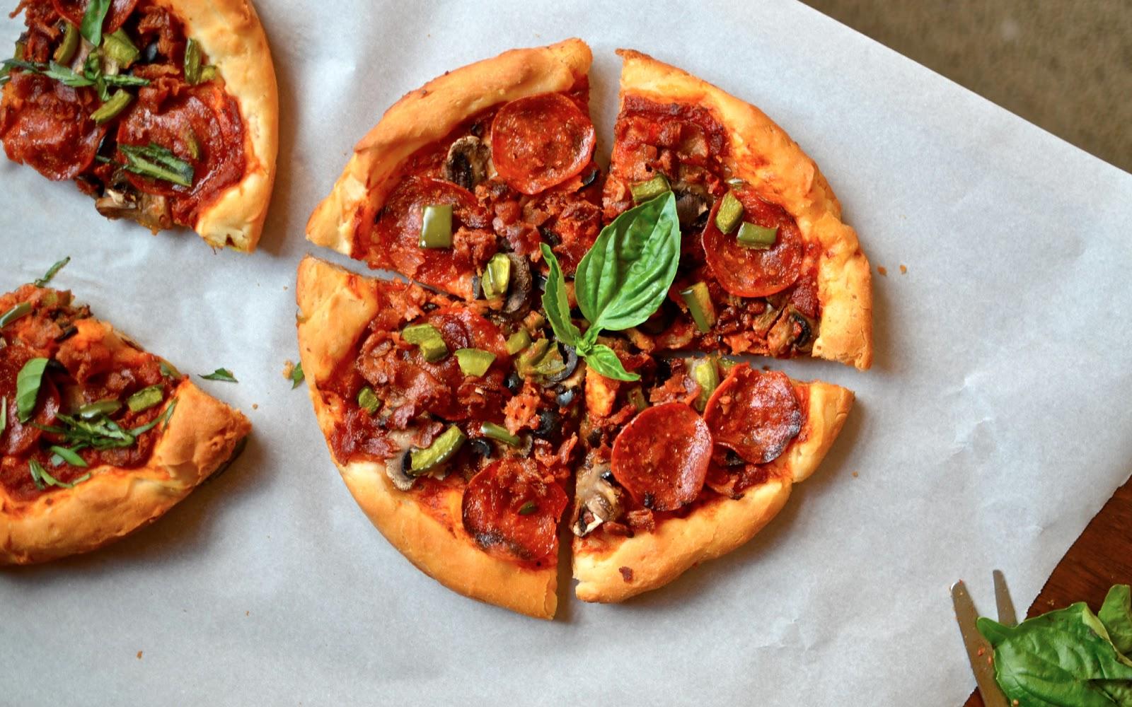 Yammies glutenfreedom pizza hut style pan pizza crust gluten free pizza hut style pan pizza crust gluten free copycat forumfinder Gallery