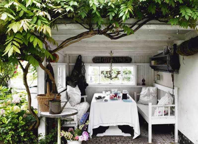 ruang makan outdoor minimalis terbaru