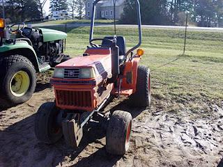 EQ-25293 Kubota B1550 tractor