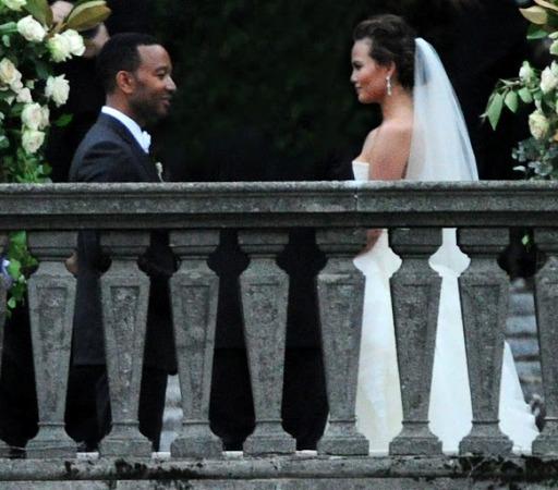 John Legend finally ties the Knots with Chrissy Teigen