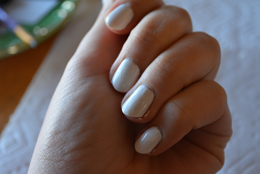 The Closet Historian: DIY Mable Nails