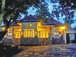 Hotel Murah Dekat Kraton Jogja - Dhaup Guest House