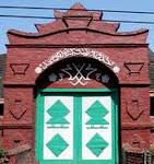Masjid Agung Cirebon, yang sekarang terletak di sebelah utara alun-alun Kasepuhan, Sang Ciptarasa