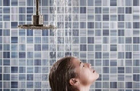 5 فوائد مذهلة للحمام البارد في الشتاء