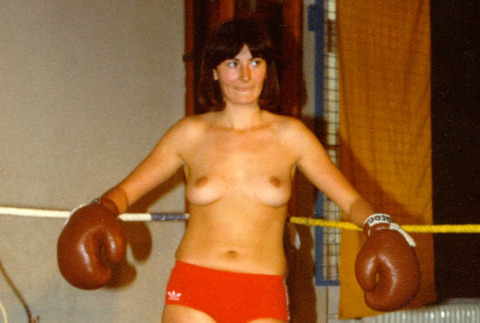 Share your Boxing topless
