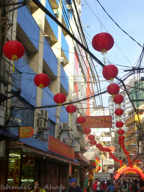 Binondo Chinatown 2014 Chinese New Year - Chinese lanterns along Ongpin Street
