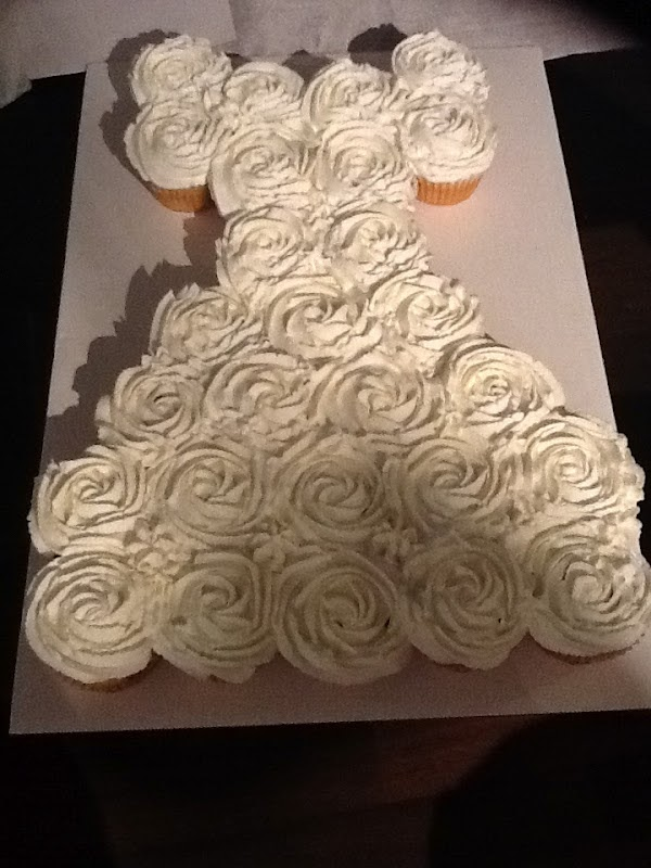 Life And Other Projects Bridal Shower Pull Apart Cupcake Cake Tutorial
