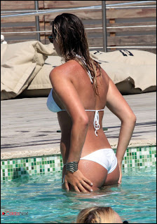 Veronica Angeloni Bikini Pictures at the Pool in Forte dei Marmi Italy  0002