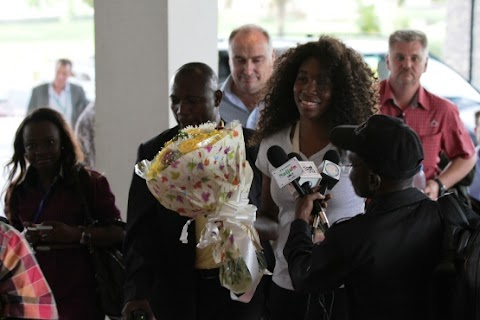 The William sisters finally arrive lagos,Nigeria. (Serena and Venus )