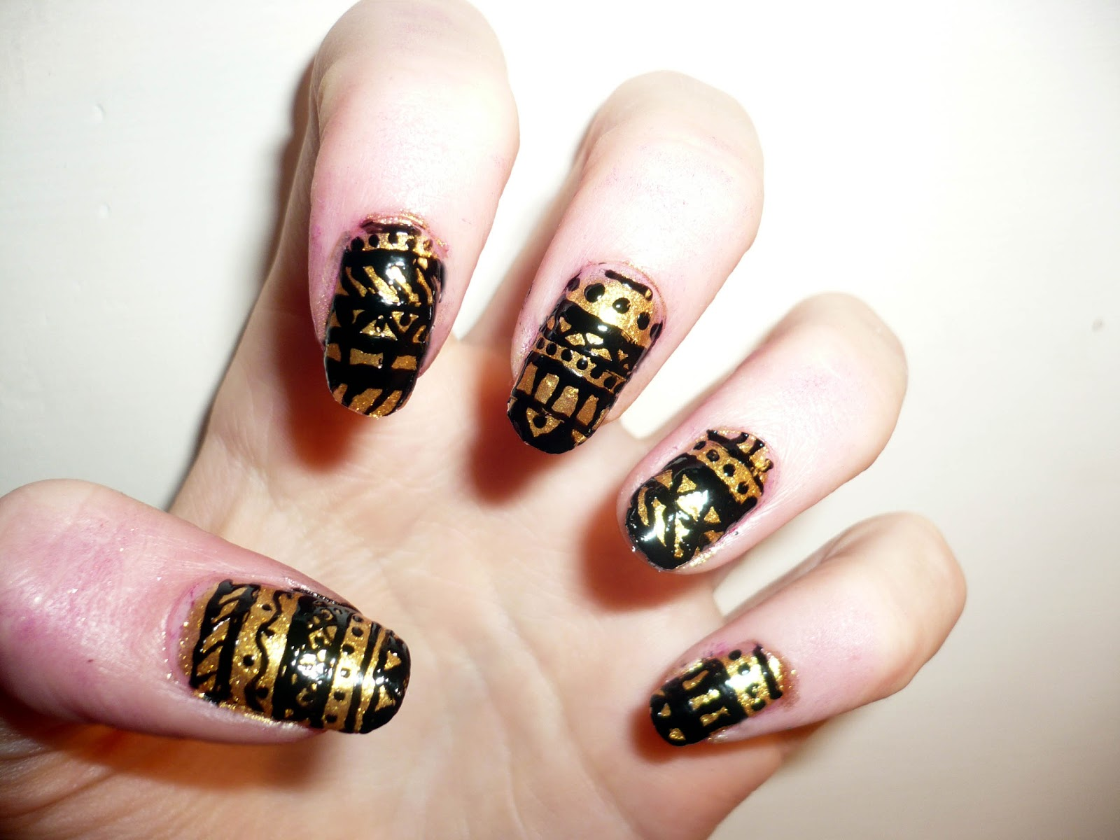 Gold Aztec Nail Art Hannah Louise Fashion