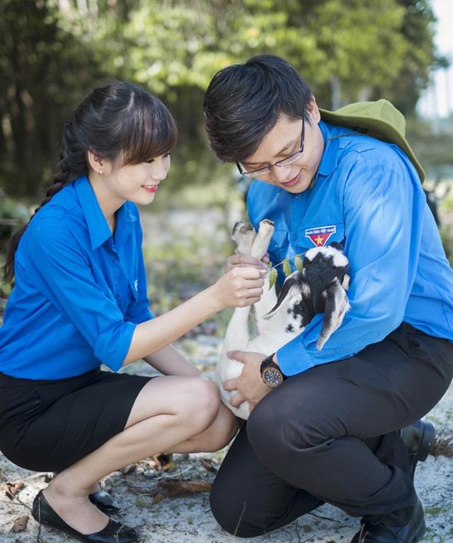 ảnh cưới áo xanh tình nguyện phúc vinh