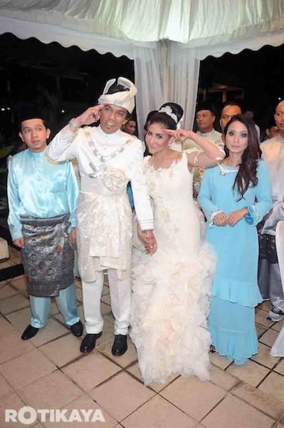 Gambar Majlis Resepsi Ella Yang Berharga RM200,000