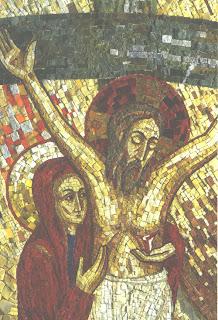 Jésus en croix avec Marie