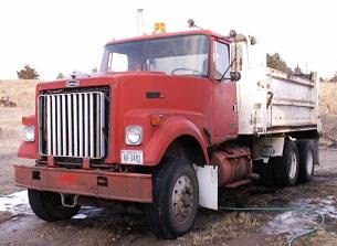 AutoCar Dump Trucks-9