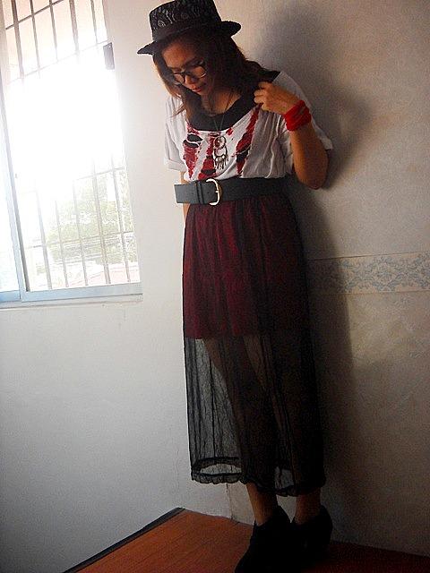 http://2.bp.blogspot.com/-z02KuH6vl0U/TZHIJA7yExI/AAAAAAAACqM/f6v-XoAOvWg/s1600/sheer.rockstar.jpg