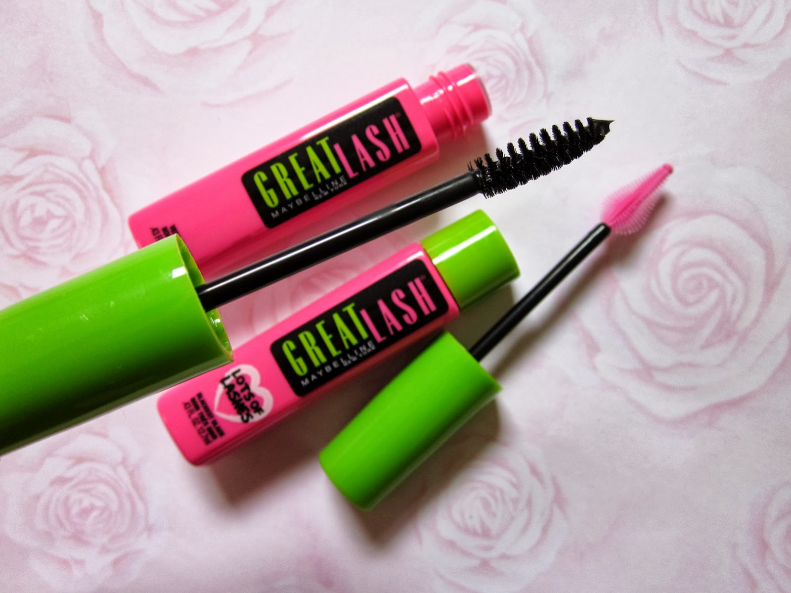 For Everyday Indulgences of...: Review: Maybelline Great Lash vs ...