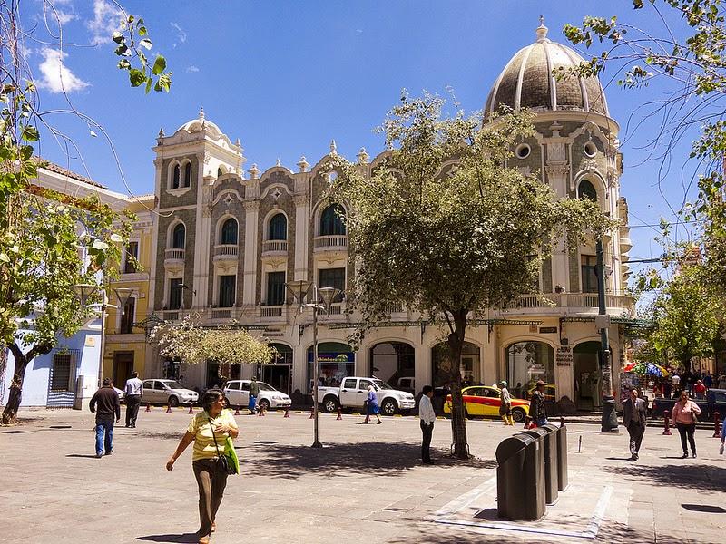 Los ladrillos de Quito: Palacio Chiriboga