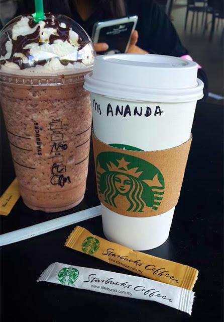 Bersantai Di Starbucks Coffee (Koleksi Foto Starbucks)