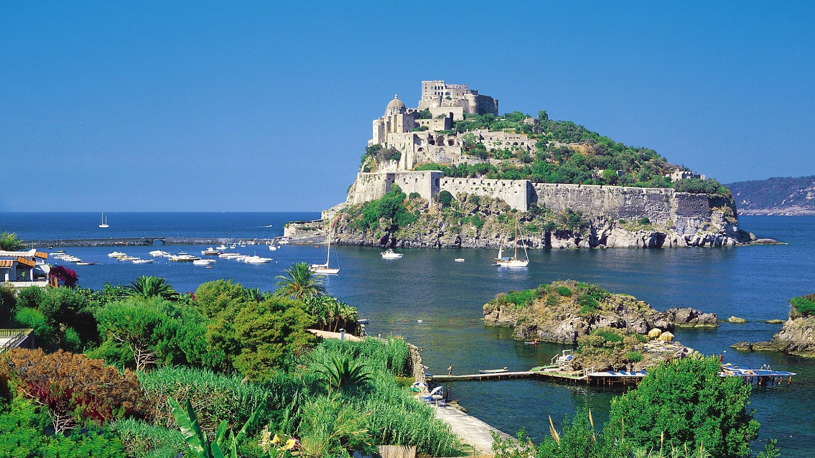 Island+of+Ischia+in+Italy+wallpaper+(1920x1080).jpg