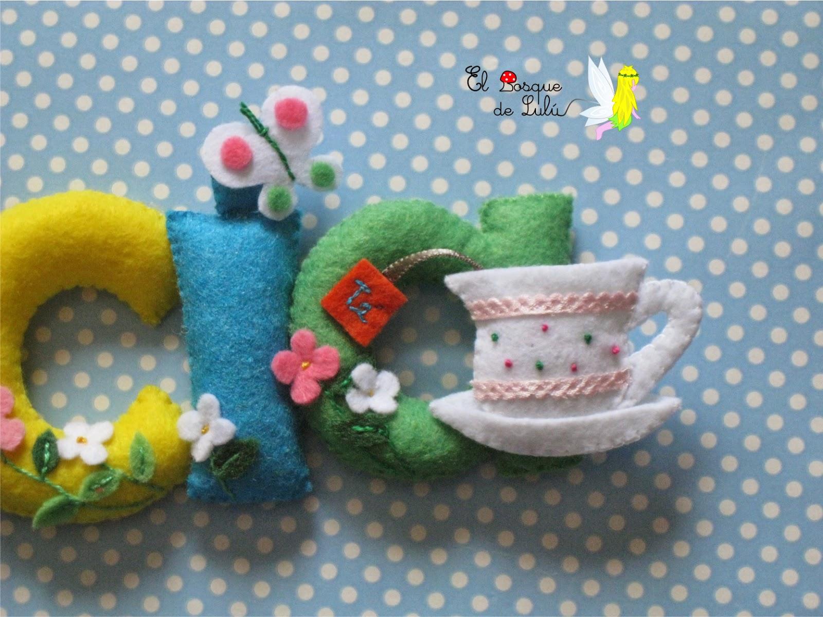 nombre-decorativo-fieltro-Alicia-personalizado-tetera-decoración