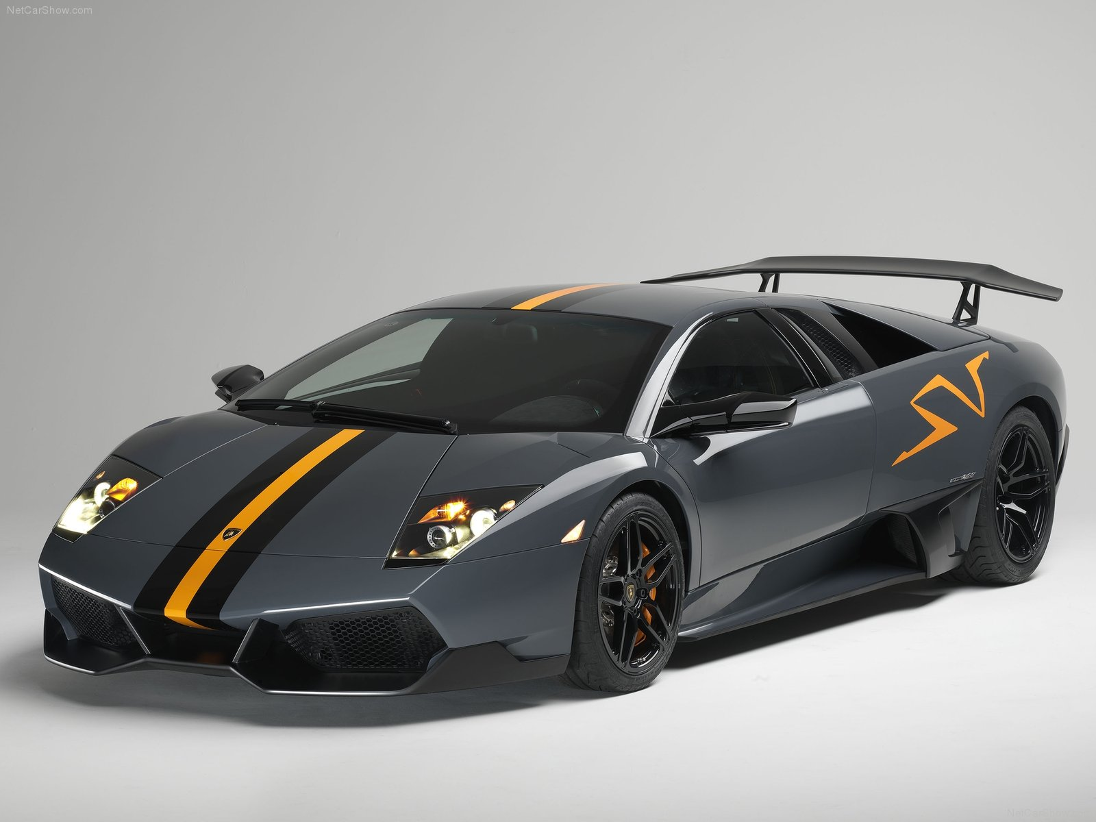 Interesting Facts: Best looking sports car on the Market