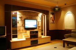 Ruang karaoke canggih dan tv plasma